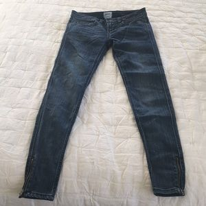 RVCA size 25 skinny jeans with zippers